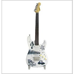 Fender GuitarMania Power of Music Figurine (9190560111)