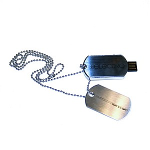 JoJo-Electro-8GB-USB-Dog-Tag-Necklace-Standard
